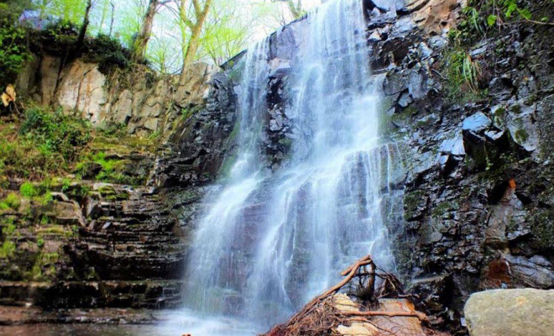 آبشار لونک شهر دیلمان