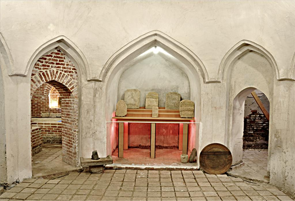 حمام تاریخی دیلمان در دل دیلمان قرار دارد